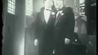 Orquesta Tipica Alfredo De Angelis, Pregonera. Singers Carlos Dante y Julio Martel.