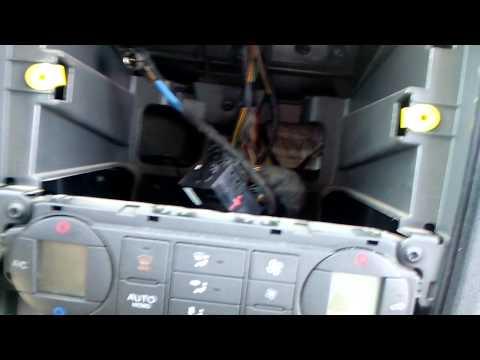 снятие передней панели торпеды форд фокус 2