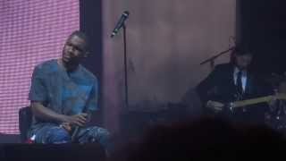 Frank Ocean - Wiseman (live in Paris)