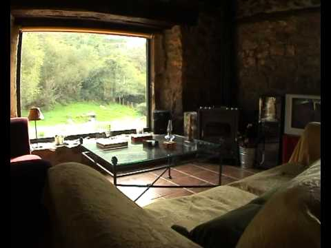 Video comercial casa rural las lugas interiores youtube for Casas rusticas interiores