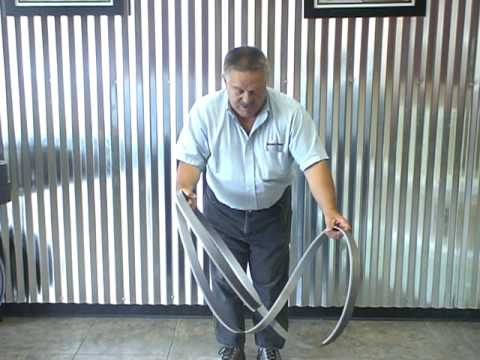 how to put in a bandsaw blade
