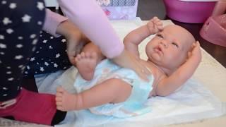 Пупс Antonio Juan Мануэла, сестричка Baby Born, кроватка и коляска De Cuevas Toys