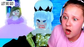 She went UNDERCOVER to Normal School as a RICH PRINCESS.. Roblox Royale High