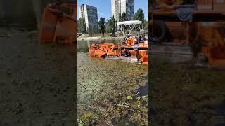 Как в Киеве летом чистят Днепр