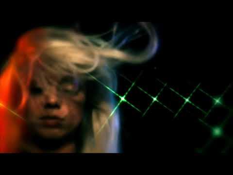Chromatics - Black Walls (Legendado)