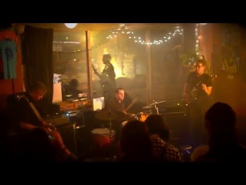 "Diminished Men-""Night of the Vampire"" (Moontrekkers cover) at Turn, Turn, Turn"