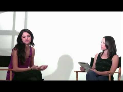 Selena Gomez - Dream Out Loud Live Chat (Part 1/2) 15th November 2011