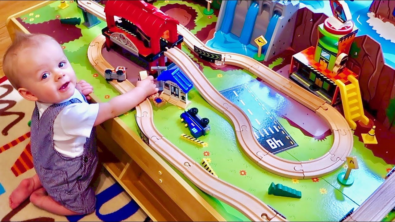 baby-s-first-toy-train-table-grand-central-station-and-waterfall-mountain