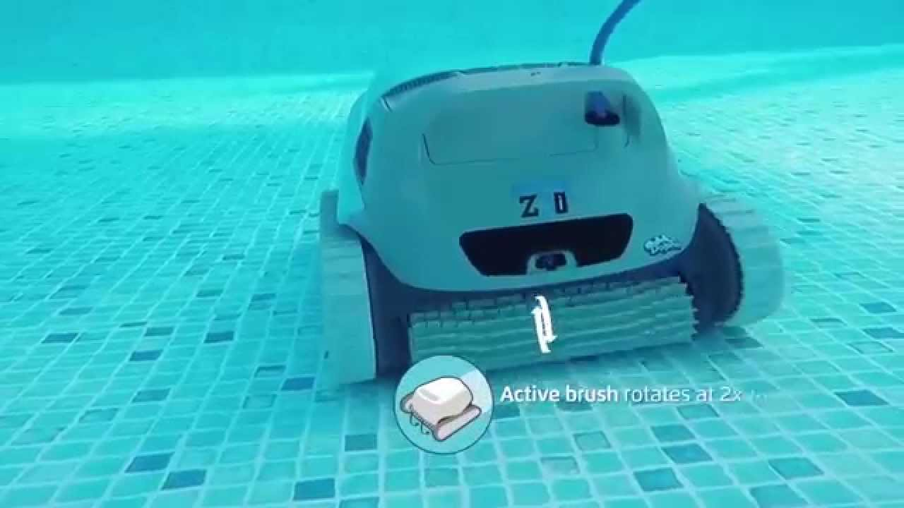 Spa piscines robot dolphin maytronics z3i 4 youtube for Robot piscine maytronics