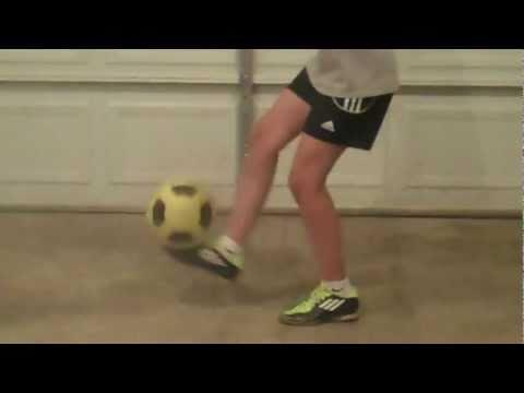 How to Juggle a Soccer Ball Football Feet, Knees, and Head