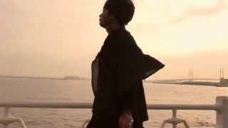 layer of the season/HALUNA SUGIMOTO