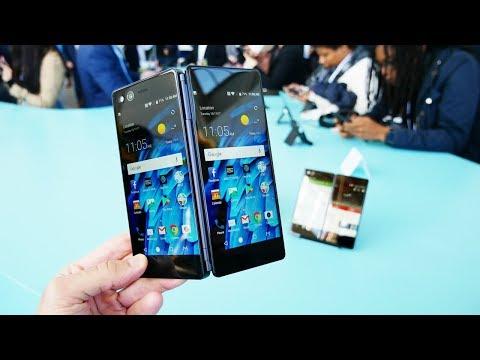 Смотрим складной смартфон ZTE AXON M