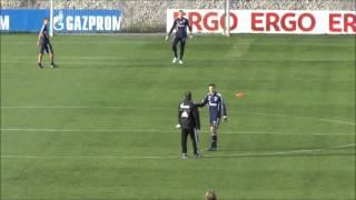 Schalke Abschlusstraining vor dem Spiel in Dortmund