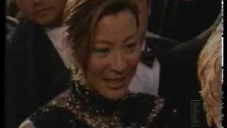 E! Fashion Review: Michelle Yeoh (2001)