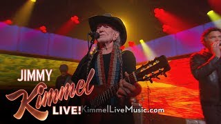 "Willie Nelson Performs ""Heartaches By The Number"""