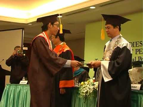 Wisudawan Terbaik Institut PTIQ Jakarta 2009 di JCC (Bagian 3)