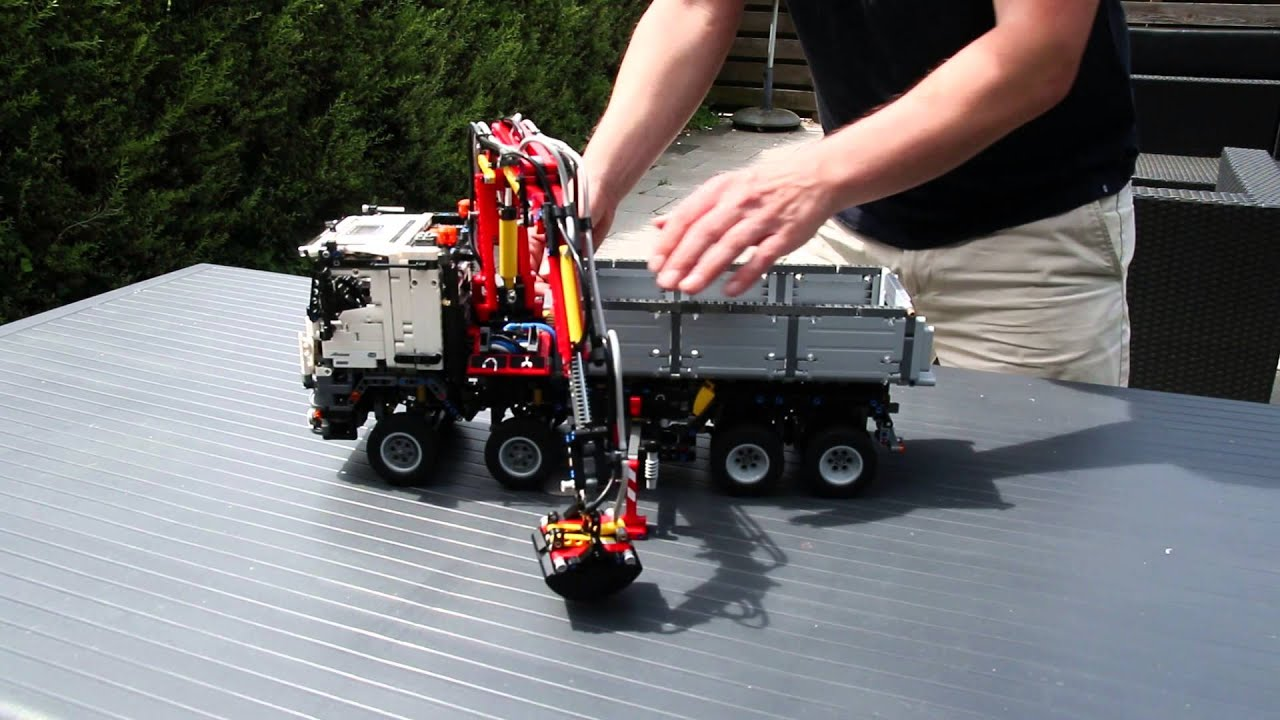 lego technic mercedes-benz arocs 3245 functions - youtube