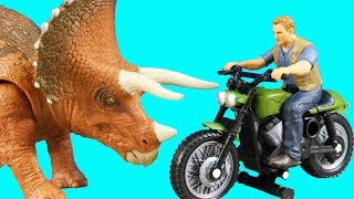 Just4fun290 presents Jurassic World Toy Collection With Owen & Moto...