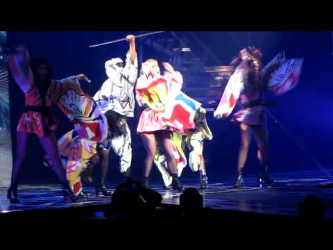 Britney Spears - Toxic   Bell Center , Montreal 11/08/11   [HD]