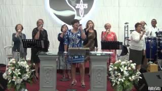 Dios De Gloria Llena Este Lugar ---  Ministerio Cantares