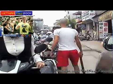 """Sock """"Phan Đinh Tùng gian hồ """" gậy gộc  phân luồng kẹt xe !!SOS"""