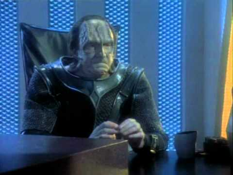 ST TNG - Chain of Command