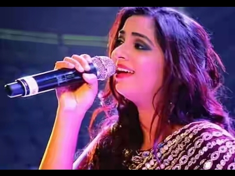 Halka Halka Song (Raees) || Shreya Ghoshal Singing Live First Time in Thane(Mumbai).