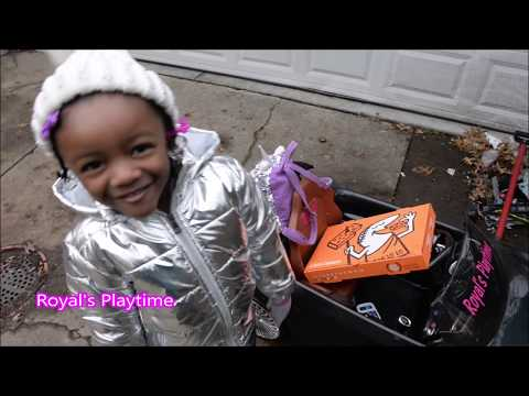 Pretend Play Uber Eats Little Ceasar's Pizza Delivery- Chelsea Doll, LOL Doll Pizza Party