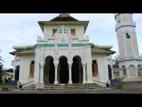 Cultural project - Visiting Baiturrahim Mosque in Banda Aceh