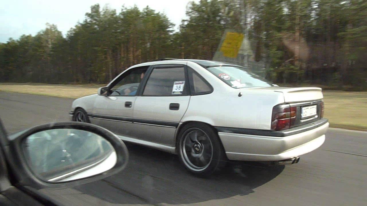 Vectra A 3 0 V6 240km Vs  Vectra B 3 2 V6 220km  V2