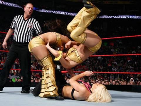WWE Superstars: The Bella Twins vs. Jillian & Katie Lea