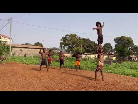 Incredible West Africans young Beasts Acrobats!