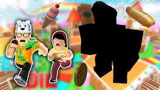 ROBLOX: MY MOTHER AND I IN: WHO EAT MORE FOOD WINS!! -Play Old man