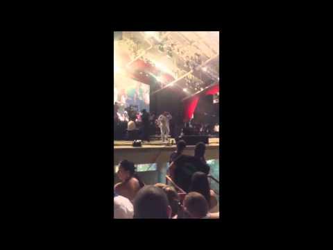 Poncho Zuleta vitorea al presidente Uribe en el festival de la leyenda Vallenata