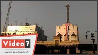 أعلام مصر ولوجو قناة السويس الجديدة تزين منشآت ميدان رمسيس
