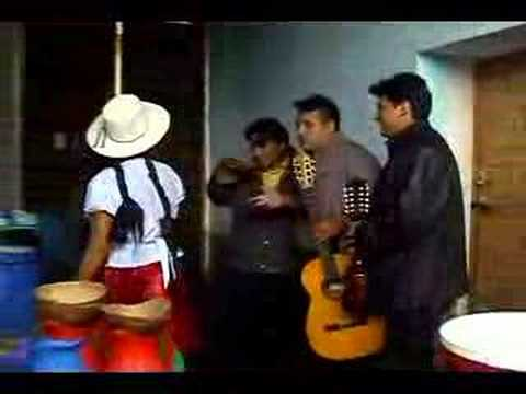 ATRAPADORITA (cueca)- ALEJANDRO CAMARA Y EL GRUPO SEMILLA