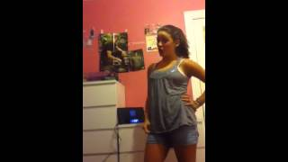 Biggest J-Hutch fan dancing for him to 1D What Makes You Be