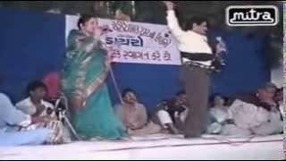 Maniyaro Aayo | Hit Gujarati Lokgeet | Maniraj Barot | Gujarati Dayaro