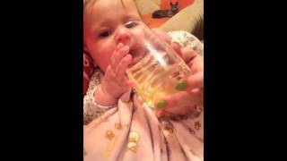 Пьем любимый ромашковый чай из стакана. Стучим по краю зубом!(, 2015-10-09T17:30:00.000Z)