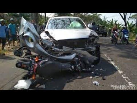 Kecelakaan Terjadi Lagi Di NTT.. Rute Maumere - Ende. Tabrakan Antara Pick Up Dengn Sepeda Motor