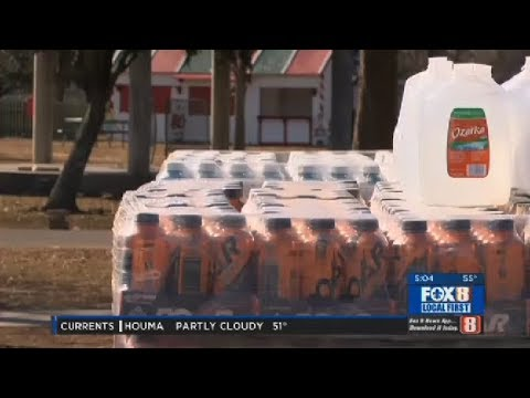 Kenner distributes free bottles of water to residents during freeze