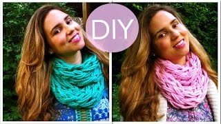 DIY Make an Infinity Scarf in 30 Minutes! (Arm Knitting) - DIY Projects (Great Gift Idea) Thumbnail