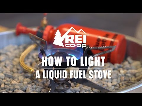 How to Prime and Light a Liquid Fuel Stove || REI