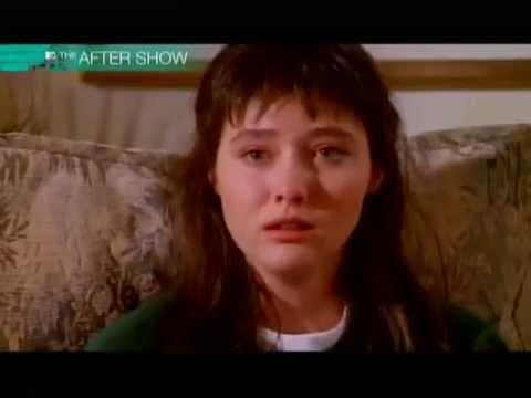 Brenda Walsh 90210 Supercut - YouTube