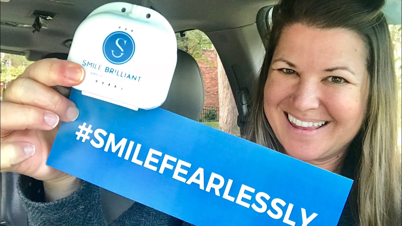 Smile Brilliant Teeth Whitening Kit Review & Giveaway {The Daily Dash:  October 19, 2018}