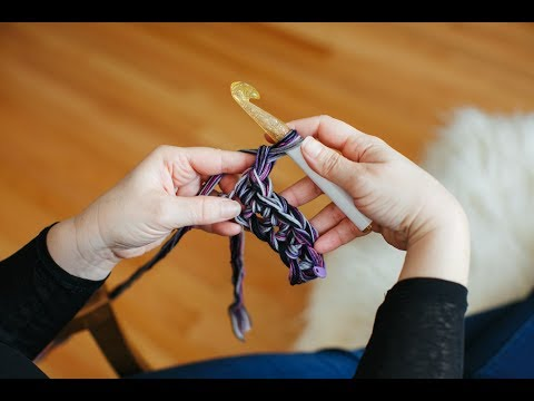 how-to-single-crochet-in-a-chain