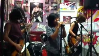 "Four Times Charm ""Paradise City"" by Guns N' Roses (vid 1) @ Archie's! - 8/15/13 Thumbnail"