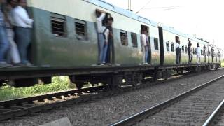 EMU TRAIN : Sahibabad - New Delhi Via. Anand Vihar by Anas Khan
