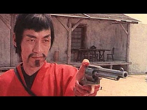 【吐嚎】意大利人导演史上最奇葩中国功夫片,主演号称是李小龙的弟弟