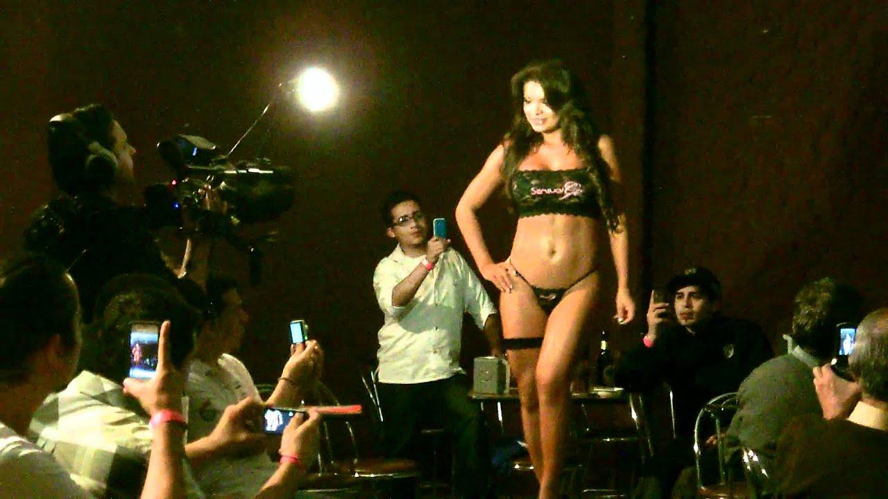 Keylin Castro Pasarela Casa Zeller Diciembre 2011 Video 4  YouTube